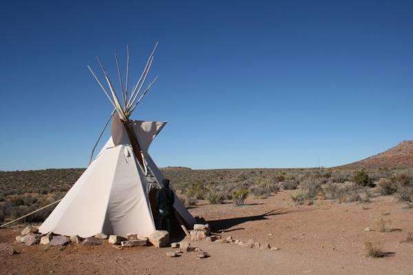 大峽谷公園中印地安保留區的原住民帳篷。