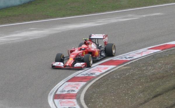 換上V6渦輪引擎後,法拉利的優勢似乎削弱不少!