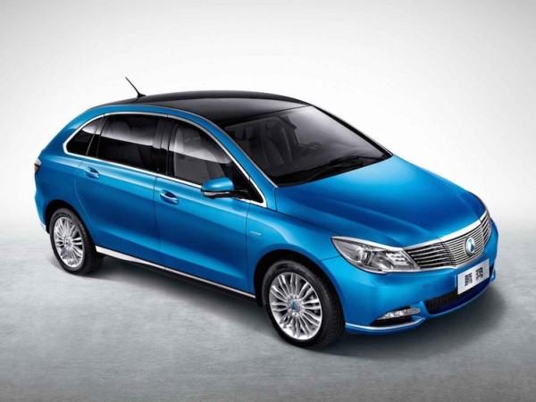 比亞迪與戴姆勒合作的電動車品牌 - 騰勢DENZA