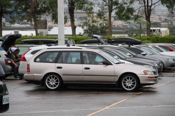 美規Corolla旅行車,比起如今到滿街跑的TOYOTA,這還真是不多見。